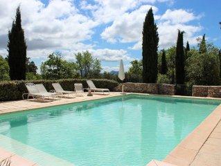 Mas de charme  'La Boussone' au coeur de la Provence, piscine privee et tennis.