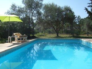 Flayosc villa   très  calme  avec piscine privée sans vis à vis sur1700m2