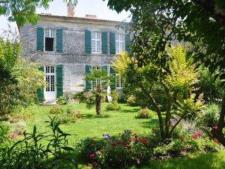 15mn Royan ou Oleron charme d'une demeure 18ème renovée- wifi jardin clos.
