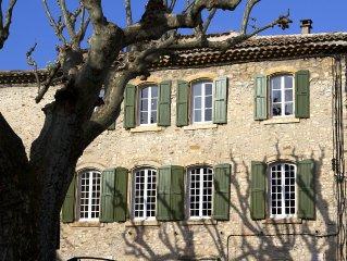 Charmante demeure historique dans la cite médiévale. Entièrement  rénovée  2013