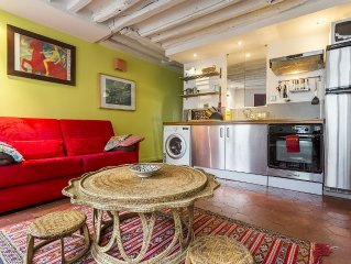5 min from the Louvre, pedestrian area, baby bed,