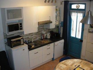 Charmante petite maison de pecheur typique de Trouville, refaite a neuf