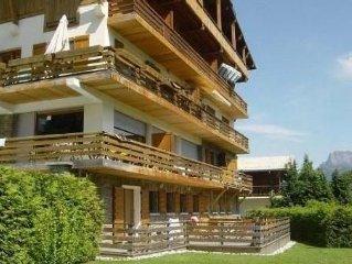 Appartement de charme dans chalet face au Mont Blanc et proche pied des pistes.
