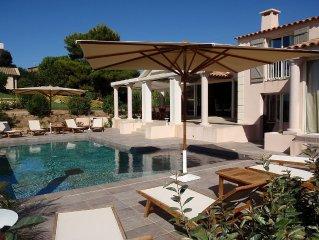 ISOLELLA (Sud Porticcio) : Magnifique villa avec piscine située face à la mer