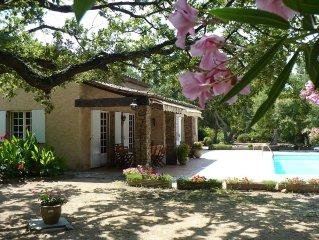 Mas provencal avec parc d'un hectare prive et piscine privative