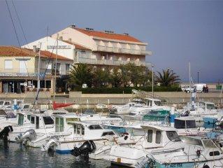 appartement t3 bord de mer pour 6 personnes à Saint Pierre la mer, parking privé