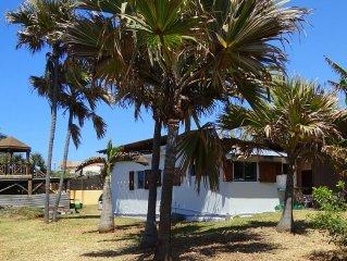 Maison créole dans jardin tropical arboré clos de 1200m² avec vue et jeux d'eau