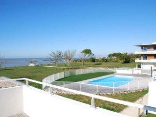 Appartement avec terrasse panoramique face mer et acces direct plage et piscine