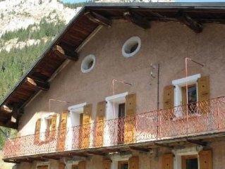 Appartement centre village au pied des pistes et depart rando