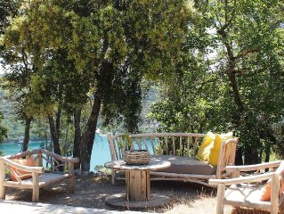 House with private pool and views of Lake Esparron de verdon