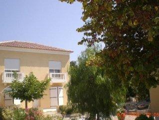 Villa avec Jardin arboré, climatisée, 200 m plages et centre ville de Sanary