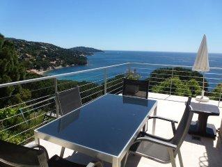 Spacieux T3 pour 4 pers. avec une vue panoramique sur la Mer et les iles