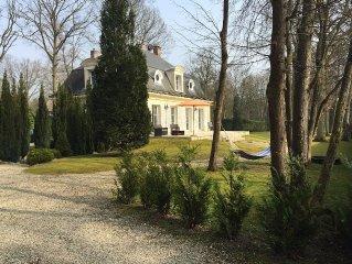 Maison de prestige a 30 mn de Paris et  a deux pas de Chantilly et  golf a 600m