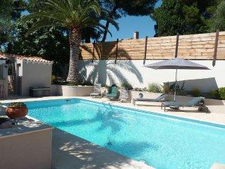 Villa- standing - piscine chauffée - plage de sable à 100 m