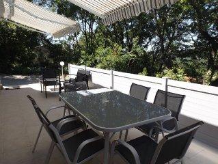 F3, tout confort avec terrasse et jardin prives