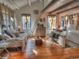Romantic getaway in a medieval village just minutes from Uzes