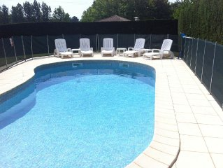 Maison cossue et confortable avec piscine proche du centre ville