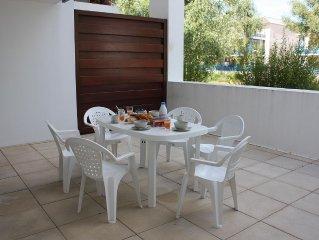 Joli T2bis rénové proche plage, grande terrasse, tout confort