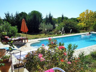 Provencal mas, Galargues, pool, land. 6km Sommiere, 25km the sea, Montpellier