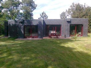 Maison d'architecte au bord de la rivière d'Auray sur 2000 m2 de pinède
