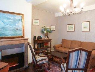 Appartement dans maison classée, au cœur du centre historique, 4 couchages