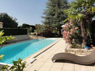 Maison type loft 2 Chambres,piscine,jardin arbore,vue panoramique sur Luberon