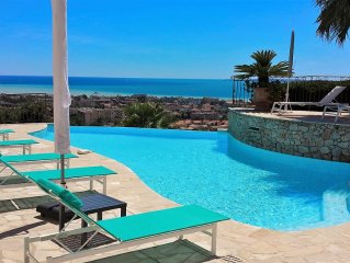 Villa with panoramic sea view and private pool
