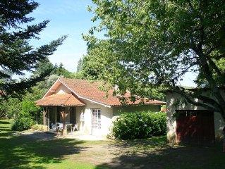 Rent country cottage in the heart of p. black