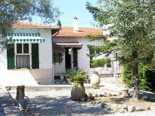 Villa Provencale Cannes-Le Cannet /Calme,Grand Jardin,Parking ,Plages a 10mns