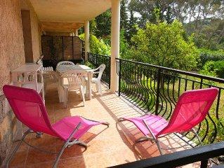 Boulouris, calme rez de villa, terrasse, jardin,1 km mer & commerces a pied
