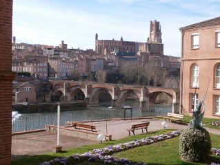ALBI: NICE APARTMENT 4 PEOPLE WITH BEAUTIFUL VIEW on CATHEDRAL