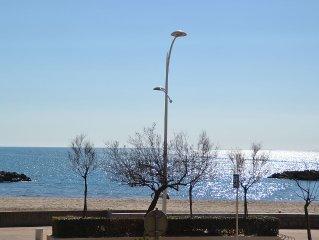 Location T3 entièrement rénové - BOR DE MER- 50m plage- 7 pers -Terrasse vue mer