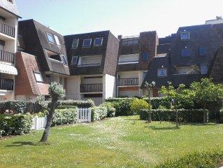 Cabourg - Appartement tout confort 1/6pers WIFI en RDJ avec terrasse 100m plage