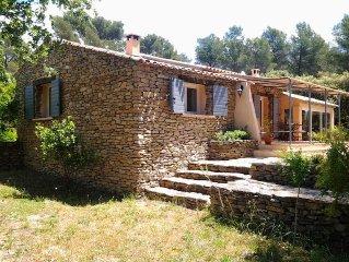 Maison provencale avec piscine-  Calme et repos au coeur de 13 000 m2 de verdure