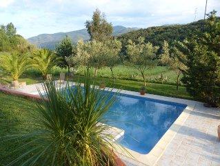 Studio neuf pour 2 personnes en pleine nature avec accès direct à la piscine.