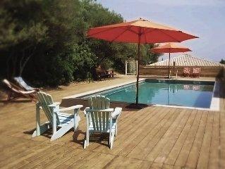 Jolie cottage écologique avec piscine et belle vue mer
