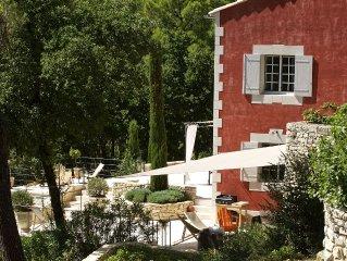 Tres belle propriete provencale au coeur du Luberon dans le massif des Ocres