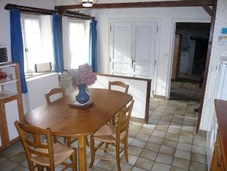 Cottage 10 minutes from Angers, Internet access.