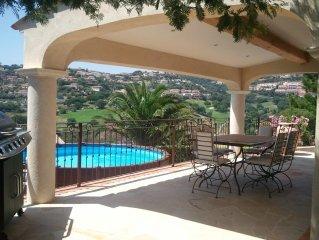 Villa Sainte-Maxime dans quartier residentiel avec vue sur le golf