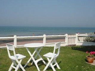 Appartement front de mer en rez de jardin, accès direct à la plage