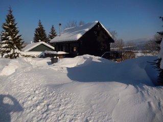 UN VRAI CHALET BOIS vue superbe et situation ideale : ski a 10Mn, lac a 5mn