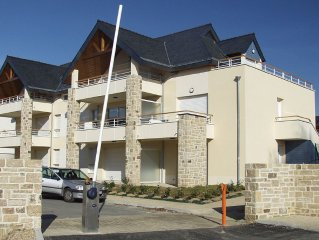 Recent duplex rated 3 * in quiet residence 200m from the sea. Chèqs holiday.