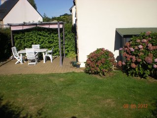 House in beach 300 meters residence and port, garden, animal allowed