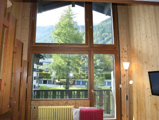 Large duplex (sleeps 6+)  5 minutes by foot from Brevent cable car