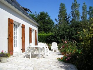 spacious house with large garden and terrace in the Bay of Douarnenez