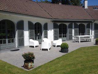 magnifique villa avec piscine chauffée, emplacement exceptionnel - Triangle d'Or