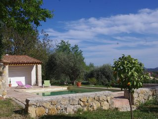 COTTAGE CHARMING QUIET, VIEW ESTEREL, 4/5 GUESTS