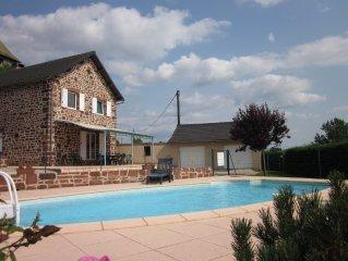 villa de charme avec piscine privative chauffee, proche Lot et Dordogne