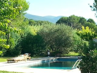 Rental house with swimming pool, natural park of Luberon, near Lourmarin