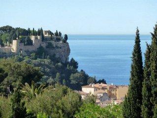 T2 67m2 avec grande terrasse plein Sud, vue mer et chateau, proche centre, clim